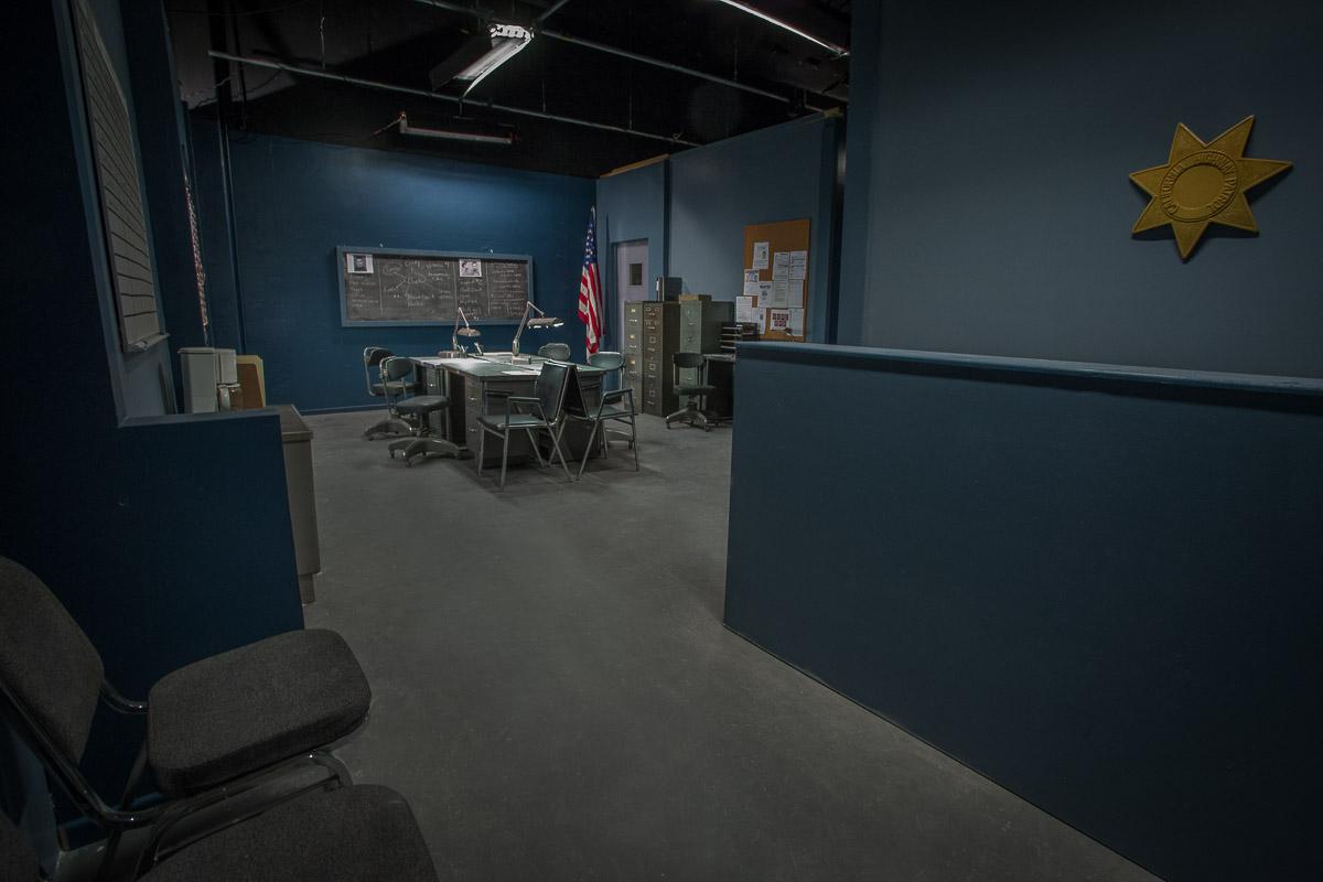 police station standing set la